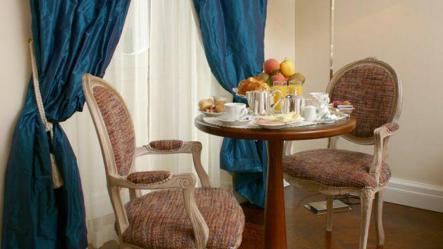 Vivaldi-Hotel-Rome-Room-elegance-06