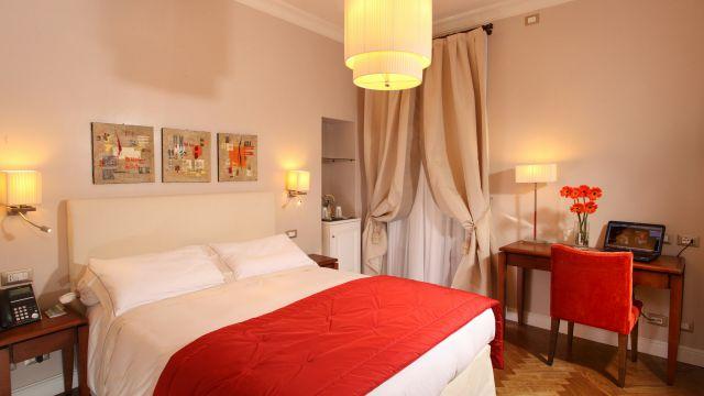 Vivaldi-Hotel-Rome-Room-elegance-11