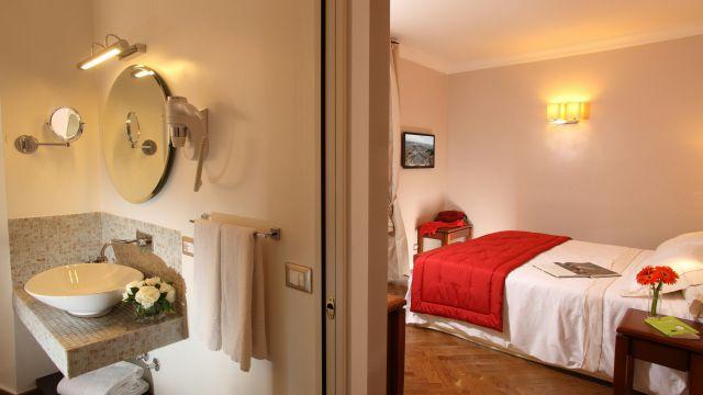 Vivaldi-Hôtel-Rome-Chambre-elegance-10