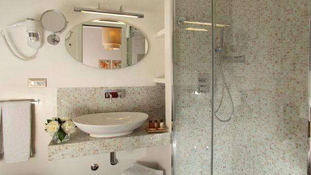Vivaldi-Hotel-Rome-Bathroom-elegance-01