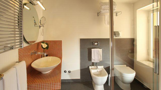 Vivaldi-Hotel-Rome-Room-Bathroom-elegance-03